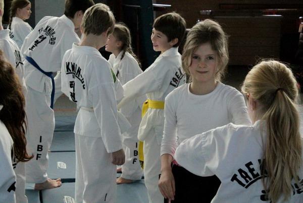 Street Combat Kids in Laer