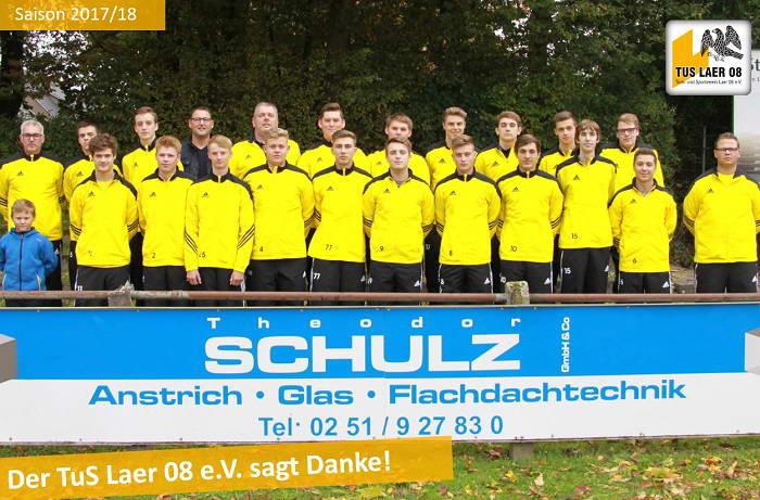 Schulz sponsert Traininsanzüge für A-Jugend