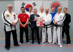 Taekwondo Scheckübergabe