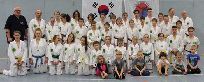 tus laer fachschaft taekwondo Training am mit einigen unserer Bonsais